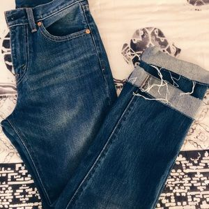 Levi's Cropped Slim Straight Jean